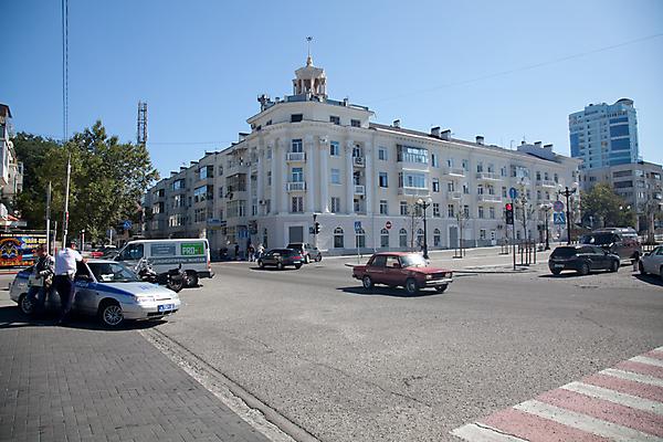 Пересечения улиц Мира и Новороссийской республики