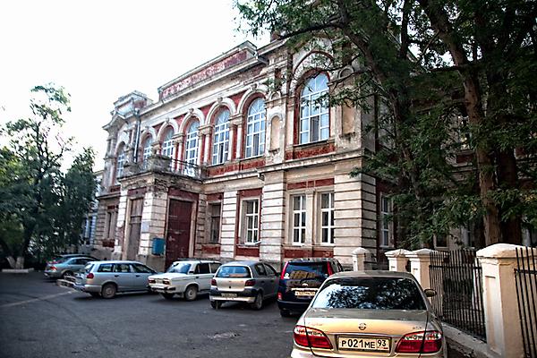 Здание бывшей школы № 3