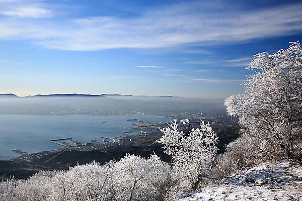Вид на Новороссийск зимой