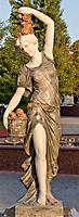 Дева с розами