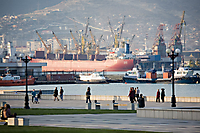 Набережная и порт