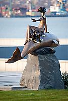 Скульптурная композиция на морском вокзале